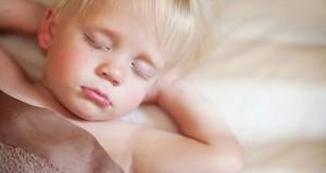 enfant-pipi-lit