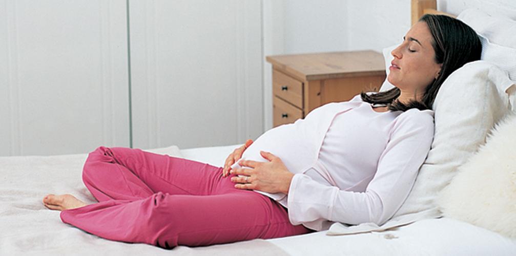 les meilleures positions pour g rer les contractions dr les de mums. Black Bedroom Furniture Sets. Home Design Ideas