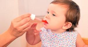medicamen-buvable-enfant-danger