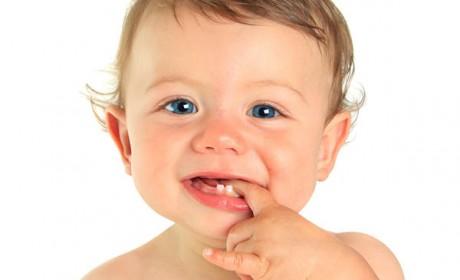 bebe-s-est-casse-une-dent