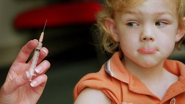 у годовалого ребенка запах изо рта комаровский