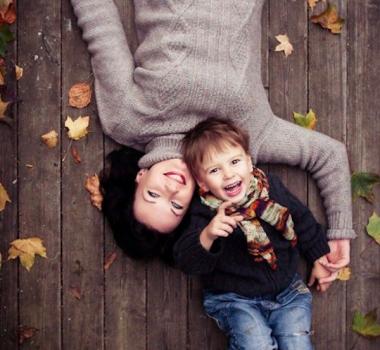 Enceinte de son fils, une mre de 40 ans trouve normal de
