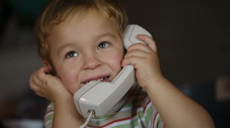 le h ros du jour un petit gar on de 2 ans sauve sa maman dr les de mums. Black Bedroom Furniture Sets. Home Design Ideas