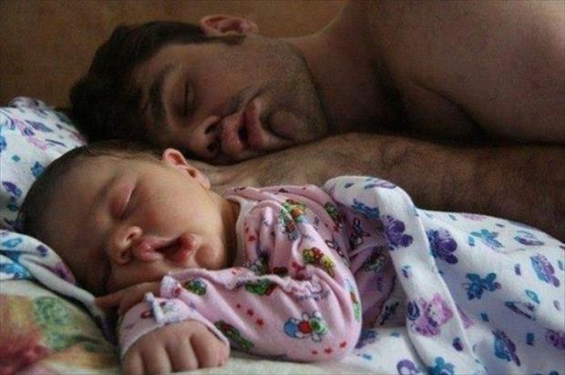sony-and-daddy-sleeping-the-same-way-in-bed