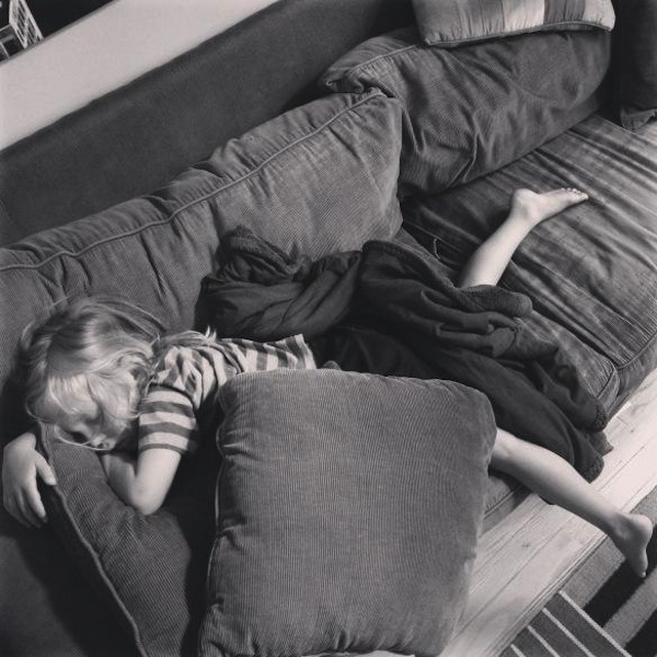 mon enfant ne veut pas rester dans son lit le soir que faire nos conseils dr les de mums. Black Bedroom Furniture Sets. Home Design Ideas