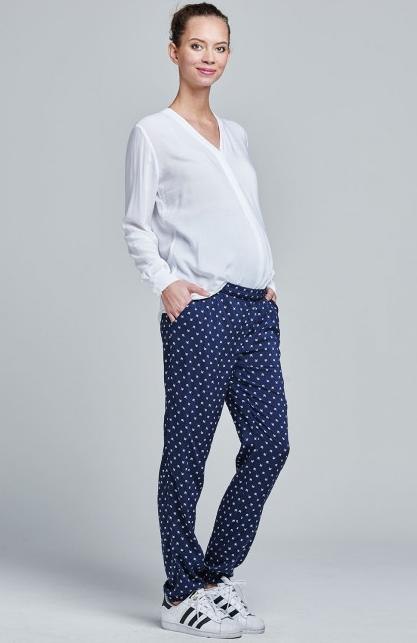 Pantalon de grossesse imprimé bleu marine coupe droite Sari Mamalicious pour emoi-emoi, 49,95 €