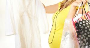pregnant-woman-shopping