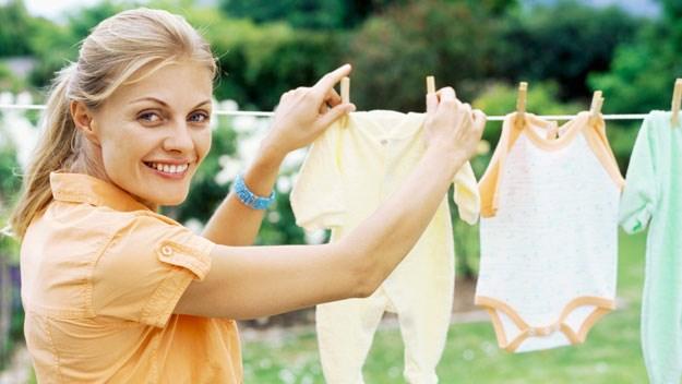 6 conseils pour entretenir la garde robe de b b - Comment laver les vetements neufs de bebe ...
