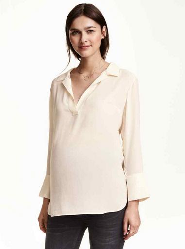 Blouse Mama pour H&M (existe en blanc et en noir) 13,99 € au lieu de 29,99 €
